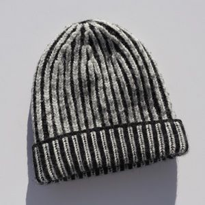Accessories - Contrast Knit Beanie